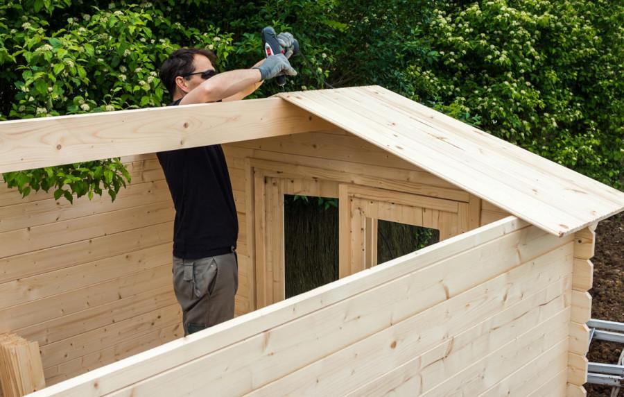 étapes de montage d'un chalet de jardin en bois
